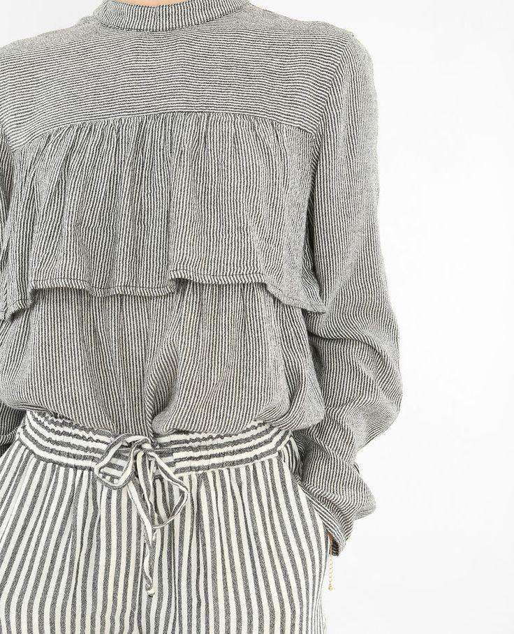 Gestreepte blouse met ruche grijs