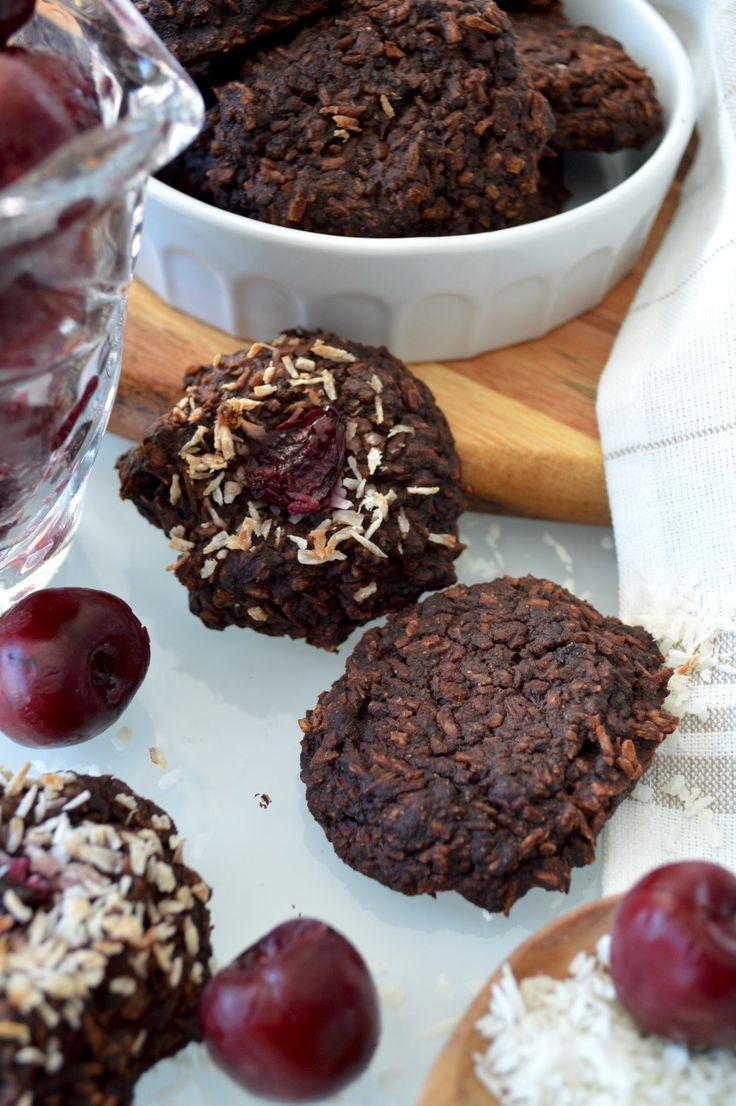 Biscuits coco-sarrasin au chocolat et cerises (vegan & sans gluten) - Le Sarrasin Végétalien