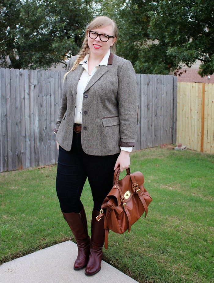 DIY FATSHION - finally posting my super late Fatshion Faceoff!! :) ootd, fatshion, blogger, psblogger, plus-size, white, brown boots, outfit of the day, plus size fashion, plus size outfit, duo boots, mulberry, alexa, tweed blazer, british heritage