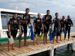 PADI Scuba Diving Courses in Utila, Honduras. FREE ACCOMODATON + 2xFREE DIVES when taking a PADI-course
