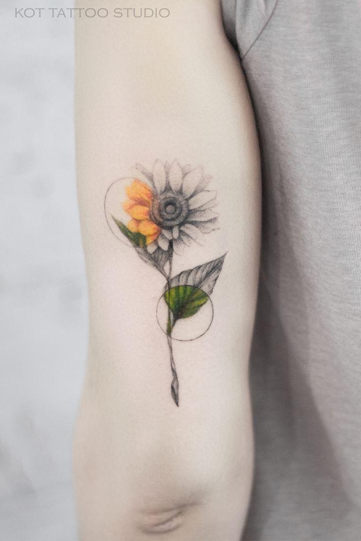 Тату цветы. Тату цветы для девушек. 100+ татуировок и эскизов на нашем сайте, заходи! | Татуировка в виде подсолнечника, Татуировки, Тату на плече для девушек