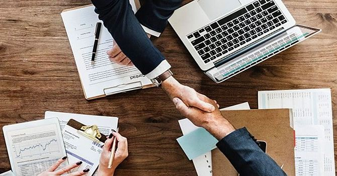 Now We Can Easy To Apply A Personal Loan For Expats Without Salary Transfer In The Dubai Uae Salesforce Certification Writing Services Social Networking Sites