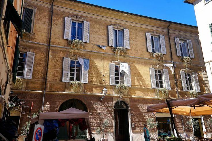 Window sashes open  by Giancarlo Gallo