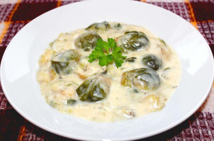 Tejszínes kelbimbó főzelék recept: Aki eddig bizalmatlan volt a kelbimbóval kapcsolatban, annak feltétlenül ki kell próbálnia ezt a tejszínes kelbimbó főzeléket! ;)
