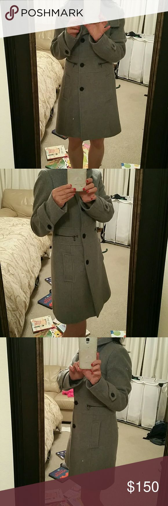 Andrew Marc Coat Beautiful coat. Wore maybe a couple of times. Have too many winter coats and live in California. Excellent condition. Andrew Marc Jackets & Coats Trench Coats