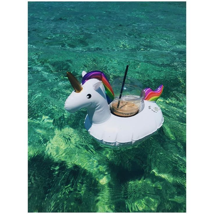 Keep summer-ing  ______________________________________________________  #goodmorning #floatie #unicorn #lovingit #coffeestand #sea #ocean #crystalclear #magnificent #colors #picoftheday #summer2017 #september #lifestyle #photooftheday #accessories #athensvoice #notia #wedoitbetter #living #vacation