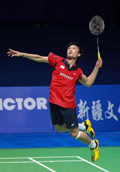 男子シングルスで日本人初のBWFスーパーシリーズ優勝、同ファイナルズ友情と世界バドミントン選手権でのメダル獲得を達成している。スポーツバドミントン選手
