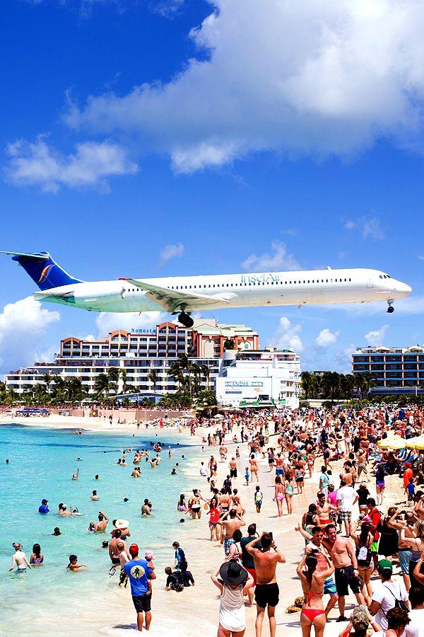 Saint Martin Maho Beach Airplane Mahobeach Saintmartin Island Caribbean Paradise Holiday Beach Vacations Sunshin Reisideeen Vliegtickets Reisbureau