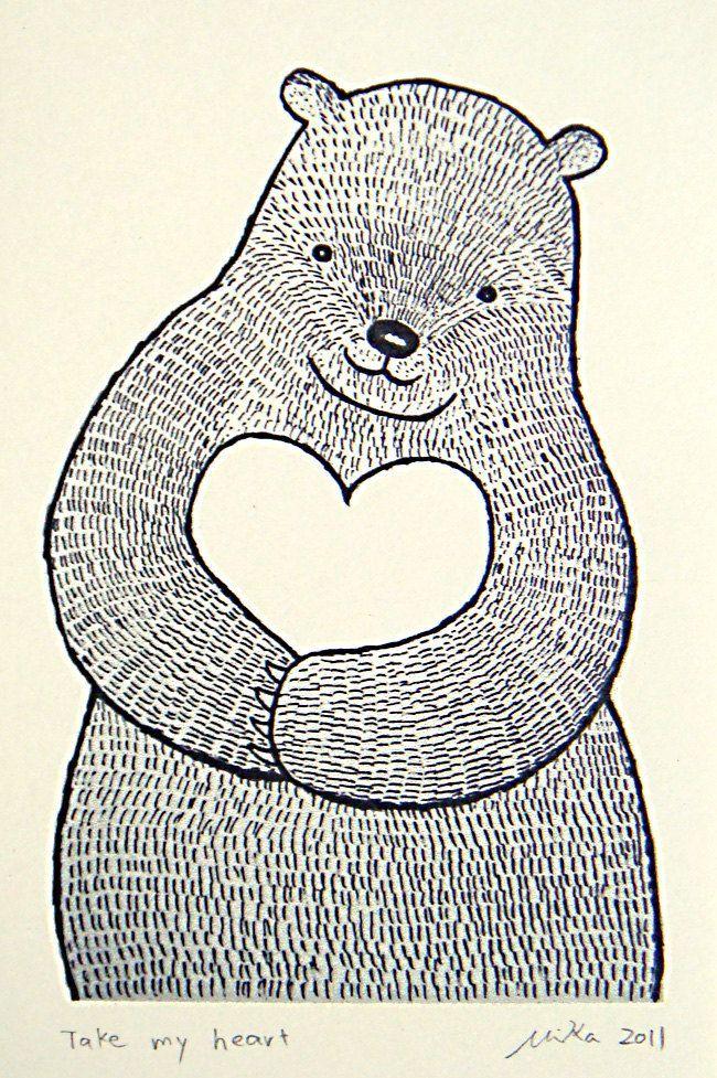 Bärentusche Zeichnung Schwarz-Weiß Wanddekoration Big Bear mit Herz Liebe Abbildung Wald Tier Wand Kunst rustikale Home Decor MiKa Kunst