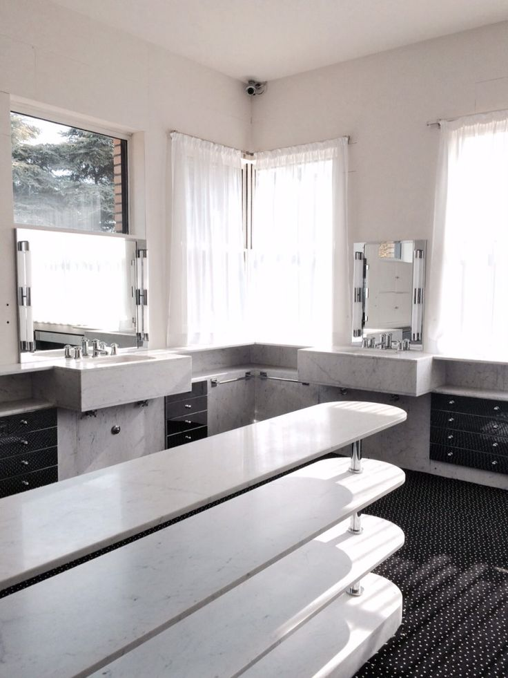Salle de bain Villa Cavrois by Robert Mallet-Stevens
