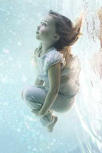 Fotografia bajo el agua  - por Zena Holloway - para Junior Magazine
