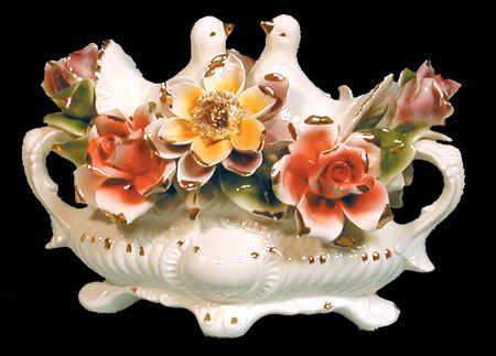 17 Best Images About Capodimonte Flower Centerpiece On Pinterest Vintage Vase And Rose