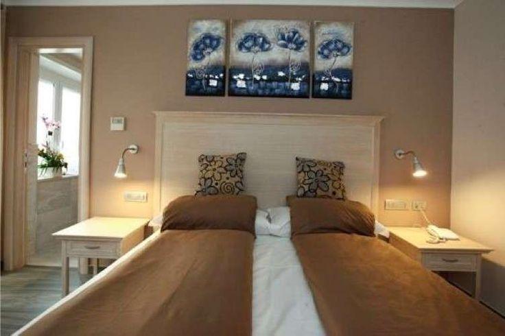 Oltre 25 fantastiche idee su Camera da letto color tortora ...