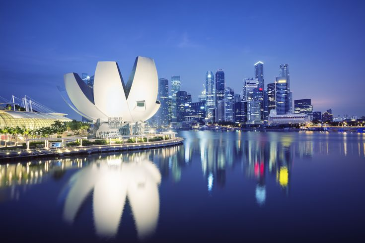 We've got the essential travel tips to travel in Singapore in one handy infographic. Everything from top spots to cuisine all in one Singapore Tour Guide.