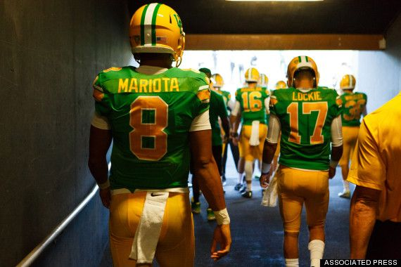 Oregon Ducks Walking through Tunnel of Autzen Stadium / 1994 Retro Uniforms