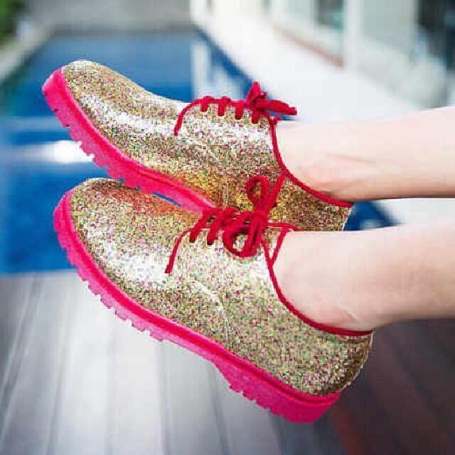 Hafshoes: docmart glitter gold