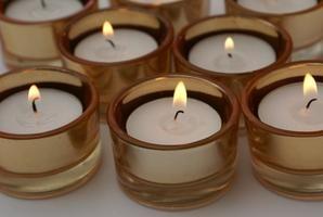 Como remover cera antiga de vela em recipientes de vidro