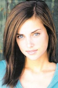jessica-stroup-of shay uglies