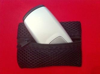 Bileklik Cüzdan: Küçük boy cep telefonu, banka kartı ve bozuk paralarınız bileğinizde güvende. Sporda, plajda, alış verişte!