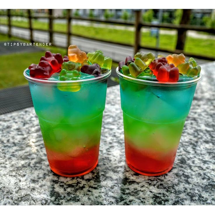 Rainbow Gummy Bear Blast Cocktail - For more delicious recipes and drinks, visit us here: www.tipsybartender.com