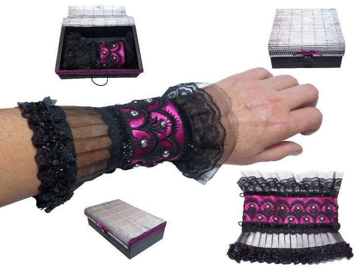 Bracelet manchette gothique chic Pinklight noire fushia dentelle et son écrin : Mitaines, gants par bijouxdart