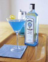 The Sapphire Alpine (•1 part Bombay Sapphire gin •1 part Blue Curacao liqueur •1 part Peach Schnapps)
