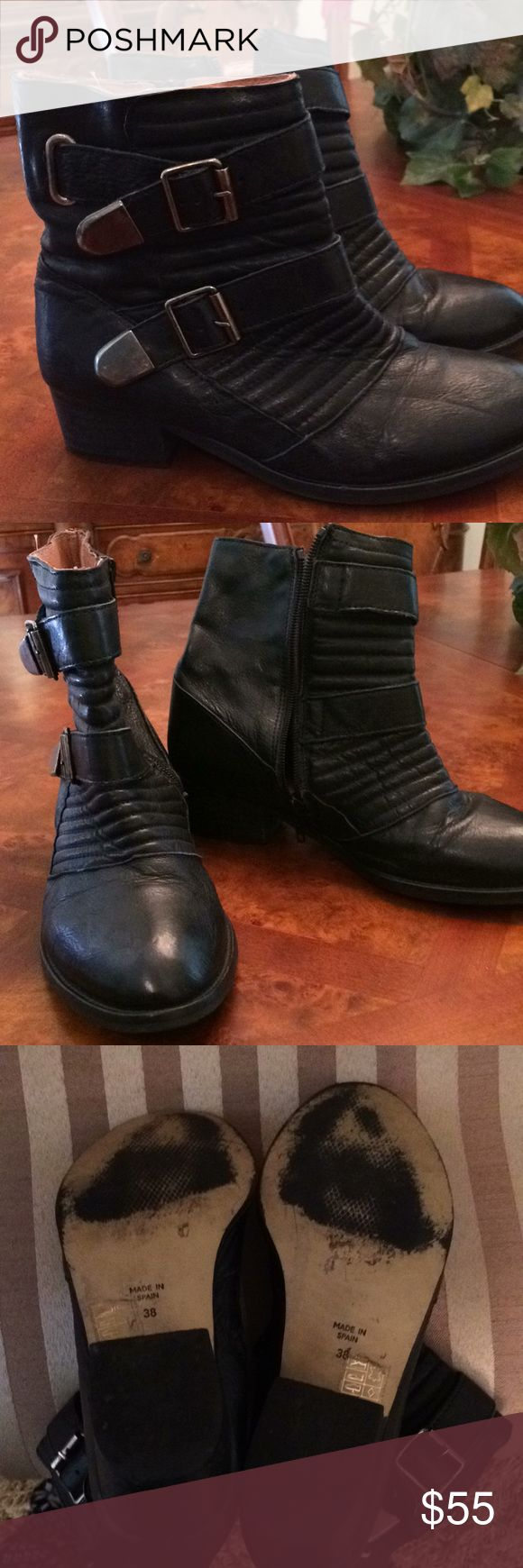 Ladies All Leather TOPSHOP Black Ankle Boots. EUC And I Double Ankle Boots.Really nice soft sheep leather, inside and out. Fantastic! Size 8. Topshop Shoes Ankle Boots & Booties
