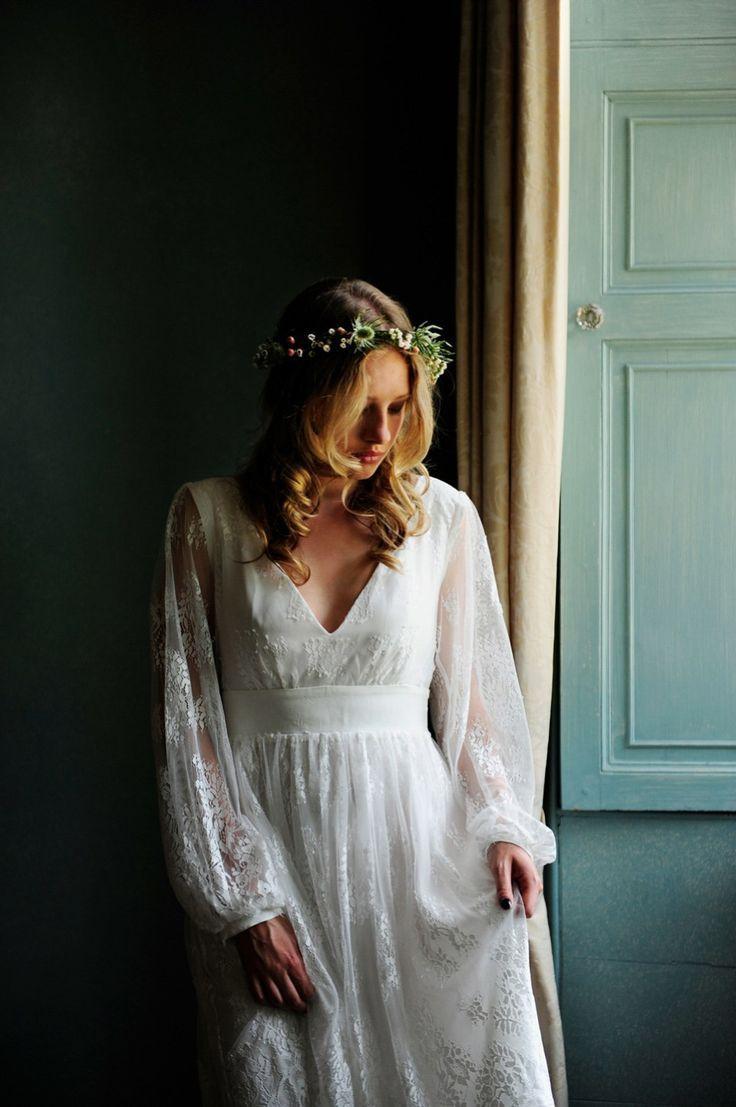 Indiebride Boho And Alternative Wedding Dresses For The Cool Free Spirited Bride 70s Wedding Dress Alternative Wedding Dresses Sleeved Wedding