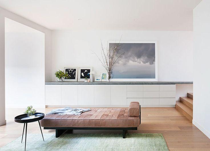 Robson-Rak-Courtyard-House-Entrance-Est-Living