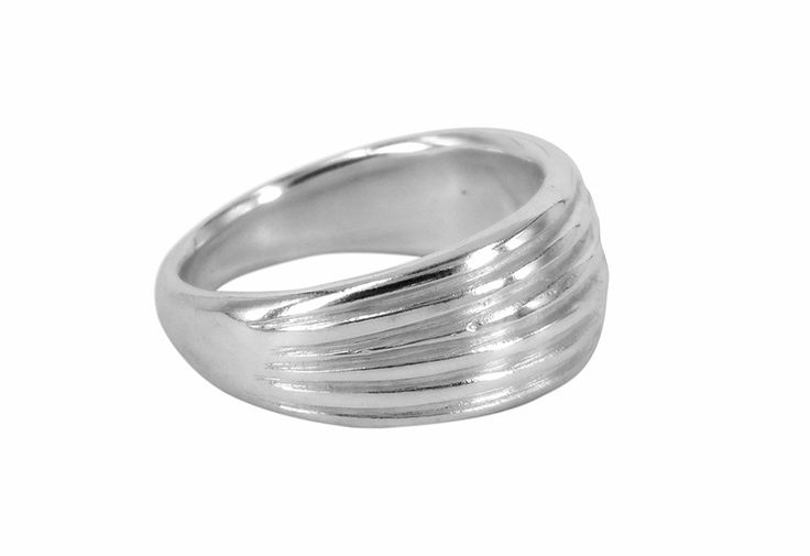 Pleated ring in sterling silver