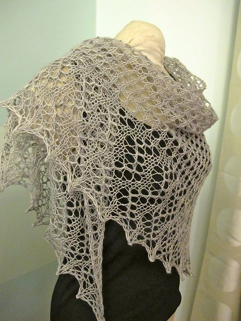 Free pattern Easy as Pie shawl.  Might be my next project.  Add beads and nupps !!!