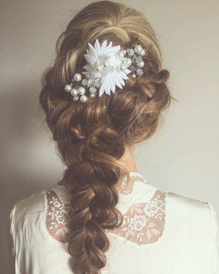 Sunday Sessions playing with hair ideas // Shop coming SOON // #missjanebridal #missjane #vintagewedding #bohowedding #dreamwedding #weddinginspo #weddinggoals #weddingblog #weddinghair #bride #bridalhair #bridalinspo #bridalheadpiece #hairinspo #hairaccessories #braidstyles #melbournewedding http://gelinshop.com/ipost/1524453283765430379/?code=BUn8i9HhChr