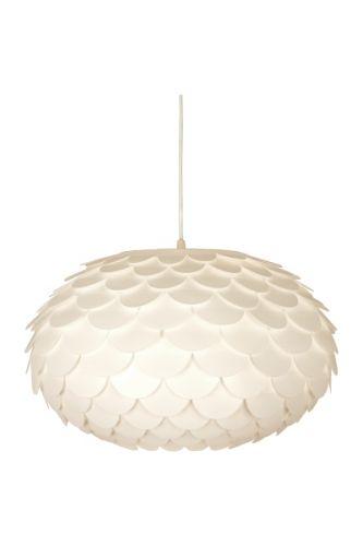 Alcea taklampe fra Aneta laget i hvit plast. Stilren lampe som gir rolig stemning. 1,3 m ledningHøyde: 26 cmDiameter: 46 cmSokkel: E27Max 60WLyskilder inngår ikkeOppheng inngår