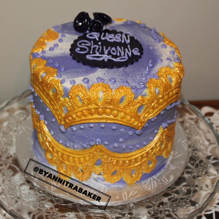 Golden cake - royalty