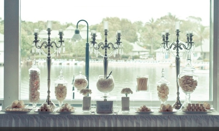 Use our our candelabras to add that extra touch to your buffet! Available in silver, white, crystal or black!
