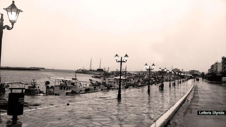 Φωτογραφία Βροχή με τα πόδια από τον Λευτέρη Σφυρίδης σε 500px Κάρυστος