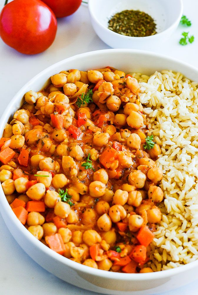 This Chickpea stew Gluten-Free Vegan is a hearty and comforting stew. It is simple to make and delicious! Chickpea is a low-fat and good source of protein.
