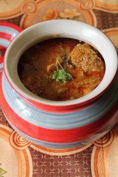 YUMMY TUMMY: Traditional Chicken Curry / Nagercoil Chicken Kulambu