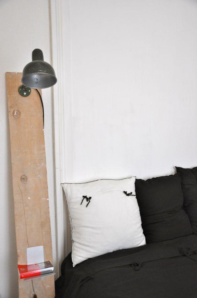 Table de chevet avec une planche