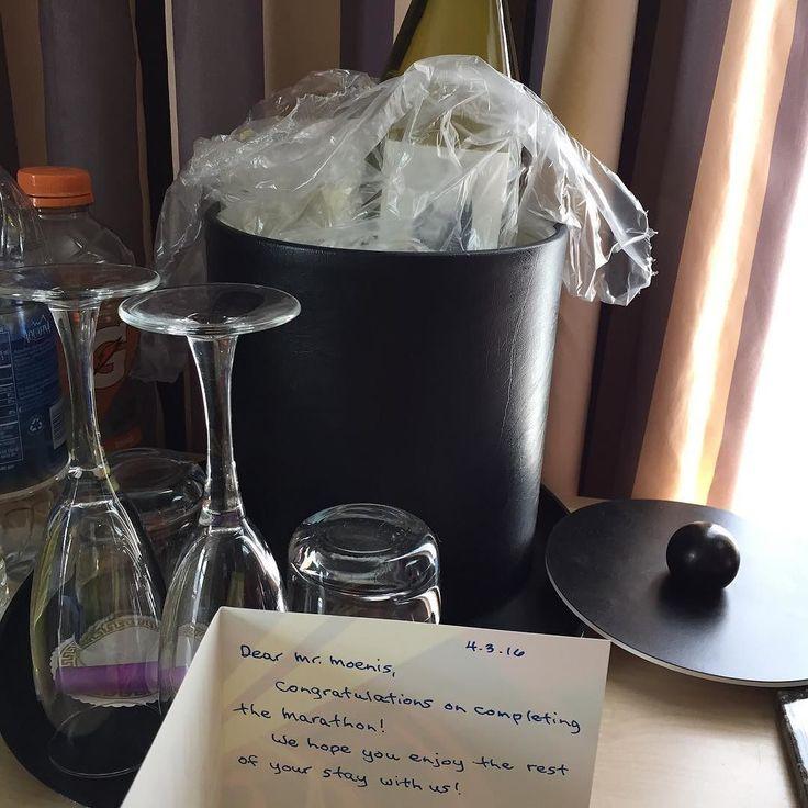 Dat is ff leuk! Staat er een fles wijn van het hotel koud in mijn kamer  #hotelbijou #sanfrancisco #RNRSF #thanks by moenkou