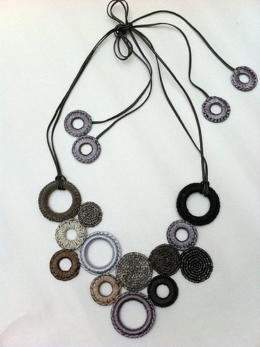 ***2******//// visitare.................///Circles, crochet&beads necklace by Les Bijoux de Jane
