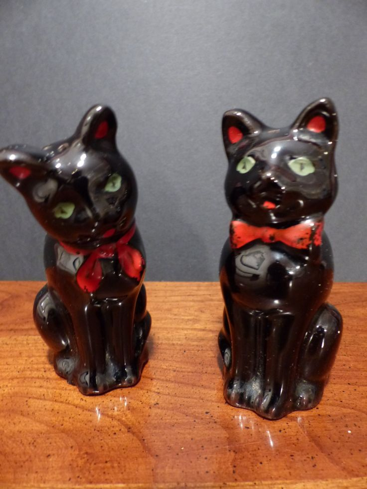 SHAFFORD BLACK CATS  - Vintage Shafford Redware Black Cats Salt and Pepper Shakers by GOLLYWOODBOULEVARD on Etsy       $14.67