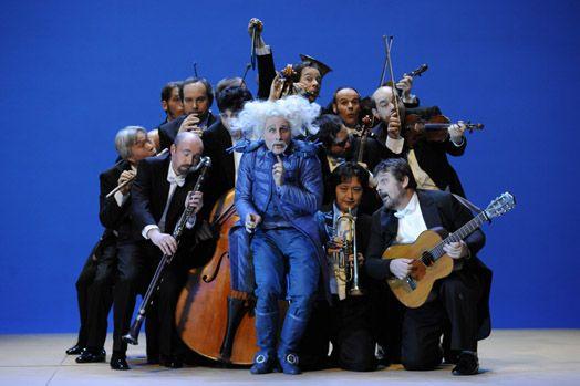 Data: 2011 Luogo: Teatro Estatal de Hesse Regia: Michiel Dijkema Costume: Claudia Damm Attore:(Fiorello) Erik Biegel / John D. Holyoke Fonte: http://www.michieldijkema.nl/language_nl/prod_barbiere.html