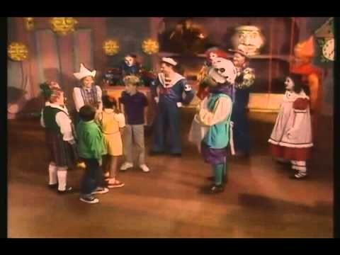 Grandpa S Magical Toys Movie 33