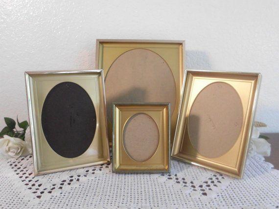 338.92 kr. Vintage Gold Metal Oval Frame Set Instant by ElegantSeashore