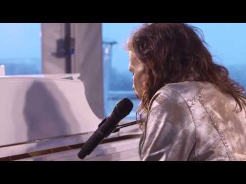 Indigo Sunshine on Pinterest LOVES this live, acoustic version of Steven Tyler singing Aerosmith's classic Dream on YouTube  ♫  Follow me ~ ❂ Indigo Sunshine on Pinterest ✯☽