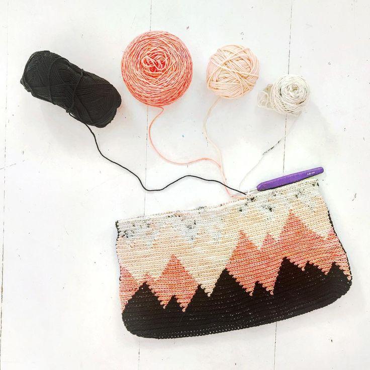 1431 best Granny Squares/ crochet images on Pinterest   Crochet ...