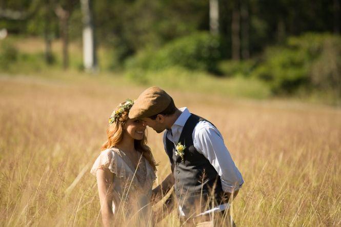 Vintage Bride ~ Country Picnic Wedding Inspiration ~ Shy Fox Photography ~ [vintagebridemag] ~ #vintagebride #weddinginspiration