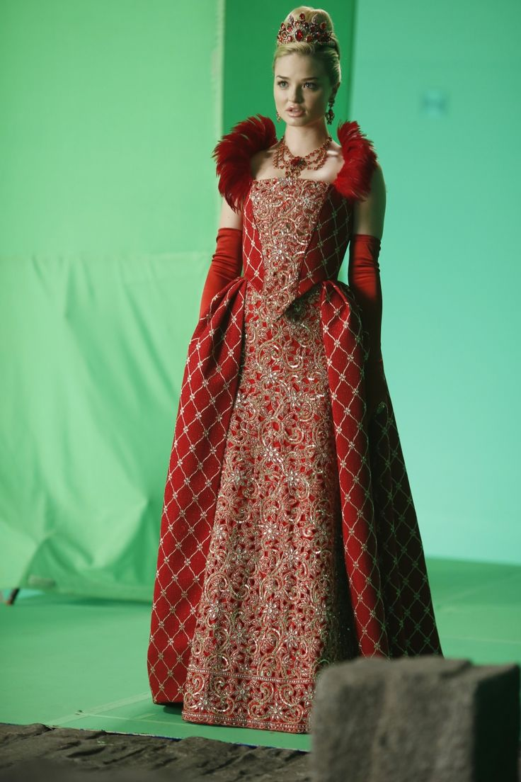 Georgina haig filming once upon a time 06 full size pictures to pin on - Photos Once Upon A Time In Wonderland Season 1 Promotional Episode Photos Episode Trust Me Once Upon A Time In Wonderland Episode Trust Me