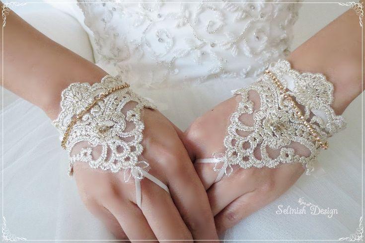Mini Lace Bridal Gloves, Fingerless Gloves, Wedding Cuffs, Bridal Accessories, Bridal Gloves, Gold Wedding by SelinishDesign on Etsy